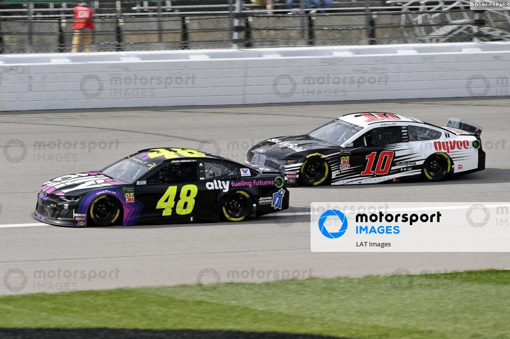#48: Jimmie Johnson, Hendrick Motorsports, Chevrolet Camaro Ally Fueling Futures, #10: Aric Almirola, Stewart-Haas Racing, Ford Mustang Smithfield / Hy-Vee