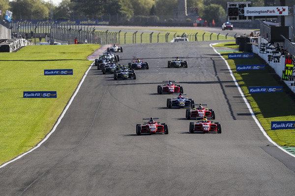 Cameron McLeod (AUS) Arden Motorsport British F4 and Georgi Dimitrov (GBR) Arden Motorsport F4