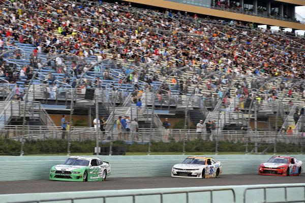 #22: Austin Cindric, Team Penske, Ford Mustang MoneyLion and #36: Josh Williams, DGM Racing, Chevrolet Camaro Startron / Sleep Well