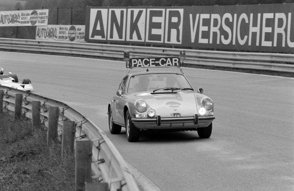 The Porsche pace car.