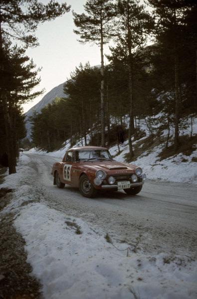 Hannu Mikkola / Ainssi Jarvi, Datsun 2000.