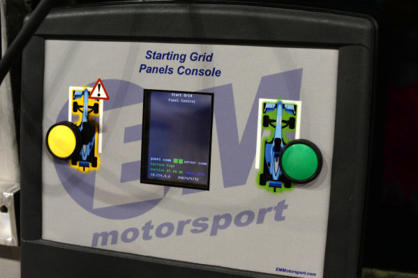 Start controller at Formula One World Championship, Rd19, Abu Dhabi Grand Prix, Race, Yas Marina Circuit, Abu Dhabi, UAE, Sunday 29 November 2015.