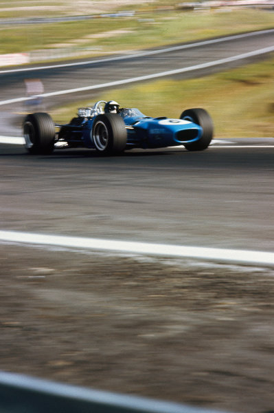 Jarama, Spain. 12 May 1968. Rd 2. Jean-Pierre Beltoise (Matra MS10-Ford), 5th position, action. World Copyright: LAT Photographic. Ref: 68ESP05.