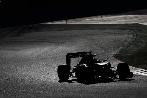 Circuit de Catalunya, Barcelona, Spain Tuesday 01 March 2016. Daniil Kvyat, Red Bull Racing RB12 TAG Heuer.  World Copyright: Glenn Dunbar/LAT Photographic ref: Digital Image _89P8750