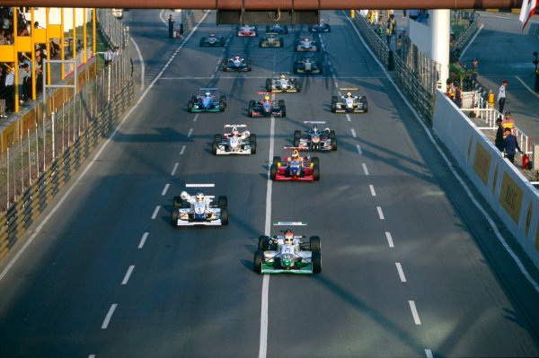Guia, Macau. China. 19th - 21st November 1999.Jenson Button, Promatecme Dallara - Renault, 3rd position, start of race, action.World Copyright: Lorenzo Bellanca/LAT Photographic.