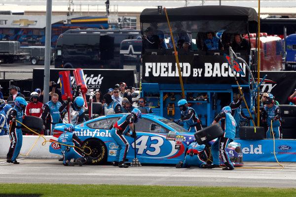 2017 Monster Energy NASCAR Cup Series - Fold of Honor QuikTrip 500 Atlanta Motor Speedway, Hampton, GA USA Sunday 5 March 2017 Aric Almirola pit stop World Copyright: Lesley Ann Miller/LAT Images ref: Digital Image lam_170305ATL8096