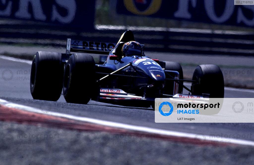 1995 Portuguese Grand Prix.Estoril, Portugal.22-24 September 1995.Heinz-Harald Frentzen (Sauber C14 Ford) 6th position.World Copyright - LAT Photographic