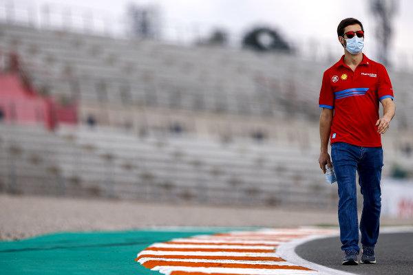 Alexander Sims (GBR), Mahindra Racing, walks the track