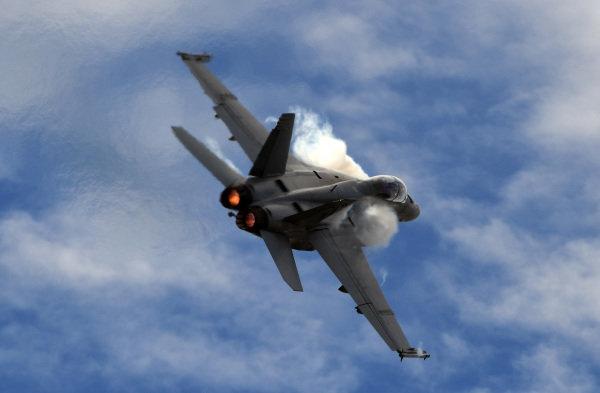 Jet flypast at Formula One World Championship, Rd1, Australian Grand Prix, Practice, Albert Park, Melbourne, Australia, Friday 24 March 2017. BEST IMAGE