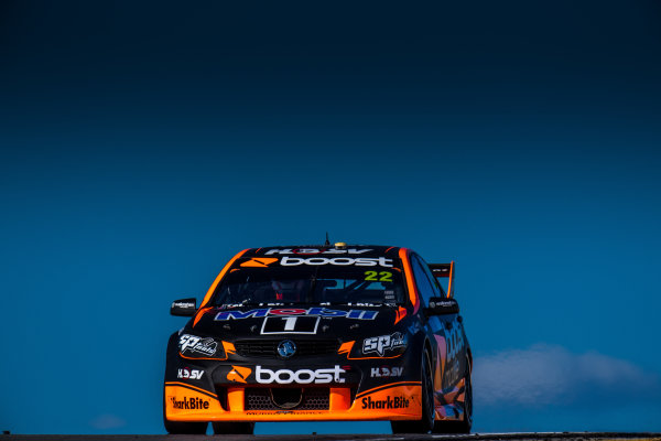 2017 Supercars Championship Round 4.  Perth SuperSprint, Barbagallo Raceway, Western Australia, Australia. Friday May 5th to Sunday May 7th 2017. James Courtney drives the #22 Mobil 1 HSV Racing Holden Commodore VF. World Copyright: Daniel Kalisz/LAT Images Ref: Digital Image 050517_VASCR4_DKIMG_1393.JPG