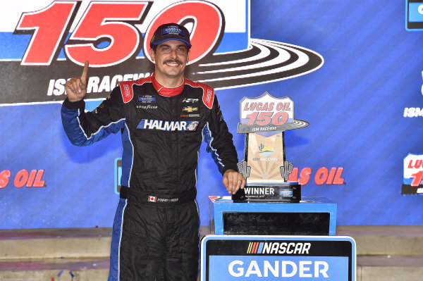 #52: Stewart Friesen, Halmar Friesen Racing, Chevrolet Silverado Halmar International wins