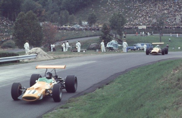 1968 Canadian Grand Prix.Mont-Tremblant, (St. Jovite), Quebec, Canada.20-22 September 1968.Dan Gurney leads Denny Hulme (both McLaren M7A Ford). Hulme finished in 1st position.Ref-68 CAN 15.World Copyright - LAT Photographic