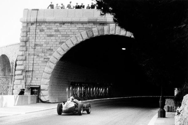 Monte Carlo, Monaco. 18 May 1958.Luigi Musso, Ferrari Dino 246, 2nd position, enters the tunnel, action.World Copyright: LAT PhotographicRef: Autosport b&w print. Published: Autosport, 23/5/1958 p651