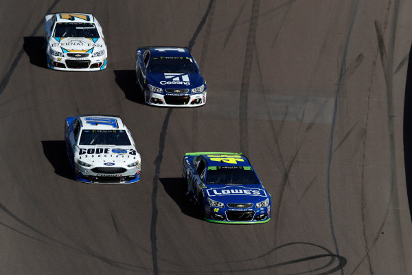 Monster Energy NASCAR Cup Series Can-Am 500 Phoenix Raceway, Avondale, AZ USA Sunday 12 November 2017 Danica Patrick, Stewart-Haas Racing, Aspen Dental $10M for Veterans Ford Fusion, Jimmie Johnson, Hendrick Motorsports, Lowe's Chevrolet SS World Copyright: Michael L. Levitt LAT Images