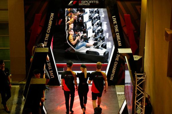 Yas Marina Circuit, Abu Dhabi, United Arab Emirates. Saturday 25 November 2017. The E-Sports players arrive at the arena. World Copyright: Andrew Hone/LAT Images  ref: Digital Image _ONY2135