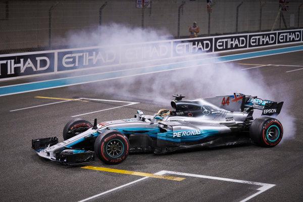Yas Marina Circuit, Abu Dhabi, United Arab Emirates. Sunday 26 November 2017. Lewis Hamilton, Mercedes F1 W08 EQ Power+, 2nd Position, performs celebratory doughnuts at the end of the race. World Copyright: Steve Etherington/LAT Images  ref: Digital Image SNE21083