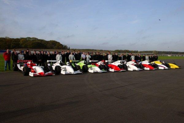 (L-R): Emerson Fittipaldi (BRA), Andrea de Cesaris (ITA), Derek Warwick (GBR), Nigel Mansell (GBR), Christian Danner (GER), Patrick Tambay (FRA), Riccardo Patrese (ITA) and Stefan Johansson (SWE).Grand Prix Masters Testing, Day One, Silverstone, England, 26 October 2005.DIGITAL IMAGE