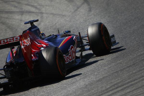 Circuit de Catalunya, Barcelona, Spain. Friday 9 May 2014. Jean-Eric Vergne, Toro Rosso STR9 Renault. World Copyright: Andy Hone/LAT Photographic. ref: Digital Image _ONY8602