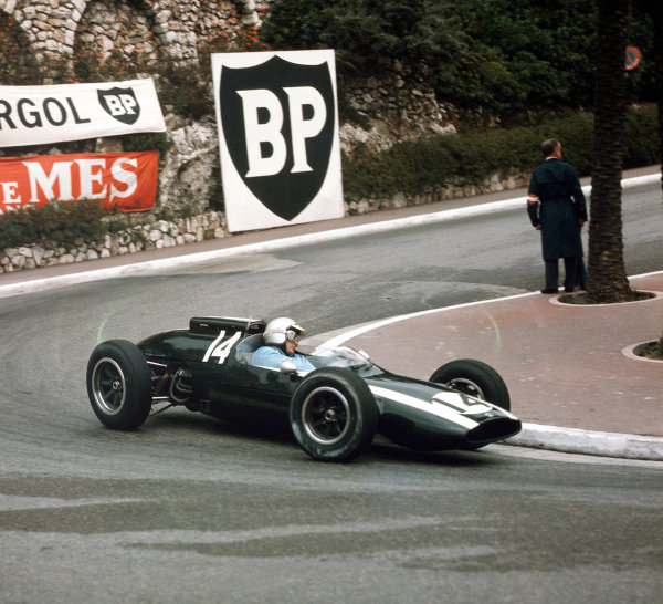 Monte Carlo, Monaco.31/5-3/6 1962.Bruce McLaren (Cooper T60 Climax) 1st position.Ref-3/0510.World Copyright - LAT Photographic