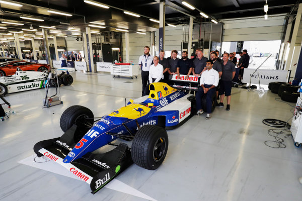 Williams 40 Event Silverstone, Northants, UK Friday 2 June 2017. A group photo next to the Williams FW14B Renault.  World Copyright: Sam Bloxham/LAT Images ref: Digital Image _56I0490
