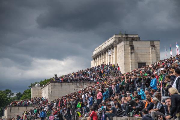 2017 DTM Round 4 Norisring, Nuremburg, Germany Saturday 1 July 2017. Spectators World Copyright: Mario Bartkowiak/LAT Images ref: Digital Image 2017-07-01_DTM_Norisring_R1_0354