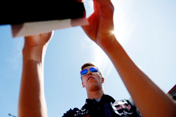 Monte Carlo, Monaco. Friday 22 May 2015. Daniil Kvyat, Red Bull Racing meets his fans. World Copyright: Charles Coates/LAT Photographic. ref: Digital Image _J5R0738
