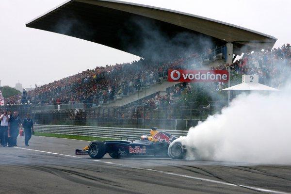 2006 DTM Championship.Round 7, Circuit Park Zandvoort. 1st - 3rd September 2006.Red Bull demo with Robert Doornbos (NED), Red Bull Racing Formula OneWorld Copyright: Miltenburg/xpb cc/LATref: Digital Image Only