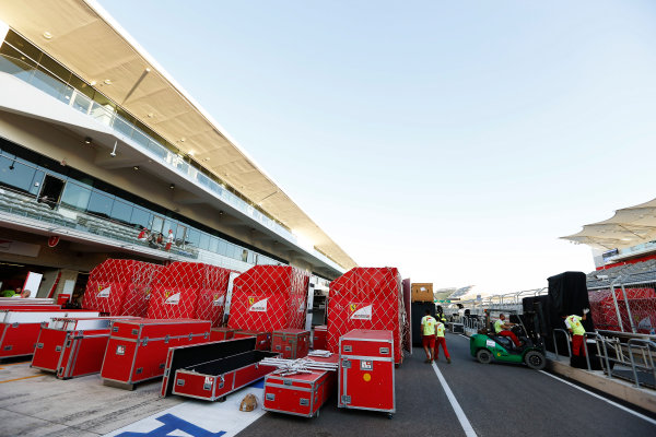 Circuit of the Americas, Austin, Texas, United States of America. Sunday 17th November 2013.  The teams pack up for the journey to Brazil. World Copyright: Charles Coates/LAT Photographic. ref: Digital Image _N7T2999