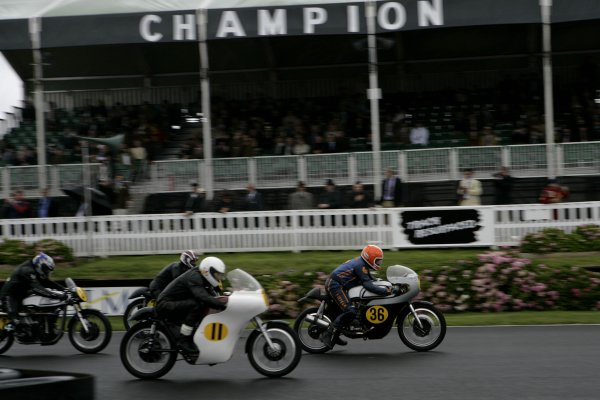 2006 Goodwood Revival Meeting. Goodwood, West Sussex. 2nd - 3rd September 2006 Barry Sheene Memorial Trophy.Chas Mortimer 36, leads away Tim Jackson 11, Malcolm Clark and Niall Mackenzie.World Copyright: Gary Hawkins/LAT Photographic ref: Digital Image Only