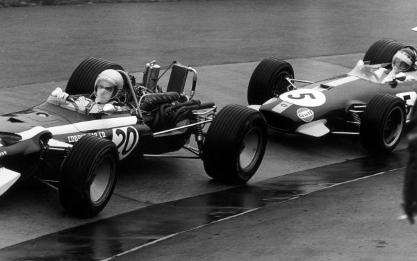1968 German Grand Prix.Nurburgring, Germany. 4 August 1968.Vic Elford, Cooper T86B-BRM, retired, leads Jochen Rindt, Brabham BT26-Repco, 3rd position, action.World Copyright: LAT PhotographicRef: 851G #14A