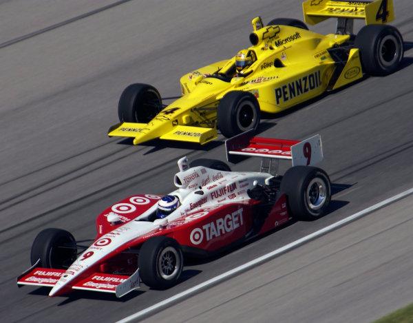 2003 IRL IndyCar Chicagoland Speedway, Chicago, Illinois 8/5-8/7/03 USAScott Dixon and Sam HornishWorld Copyright-Walt Kuhn 2003 LAT Photographicref: Digital Image Only