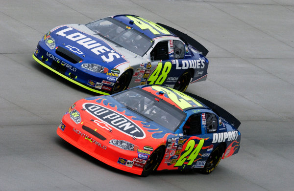 04-06 June, 2004, Dover International Speedway, USA,Jeff Gordon (24) and team-mate jimmie Johnson side by sideCopyright-Robt LeSieur 2004 USALAT Photographic