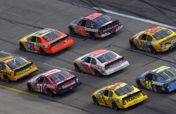 NASCAR Winston Cup Aaron's 499, Talladega Superspeedway, Talladega,Alabama, USA 6 April,2003Pack action in turn one.-F Peirce Williams/LAT Photographic 2003
