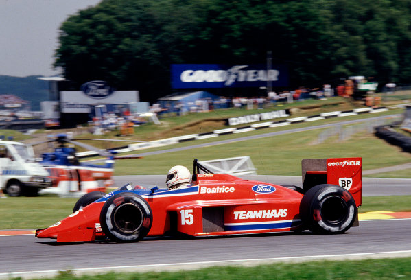 1986 British Grand Prix. Brands Hatch, England. 11-13 July 1986. Alan Jones (Team Haas/Lola THL2 Ford). Ref-86 GB 65. World Copyright - LAT Photographic