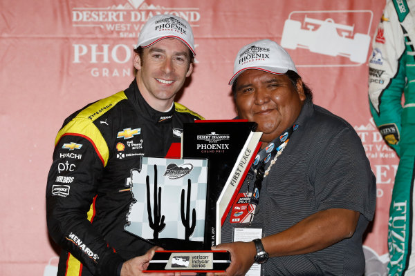 Verizon IndyCar Series Desert Diamond West Valley Phoenix Grand Prix Phoenix Raceway, Avondale, AZ USA Saturday 29 April 2017 Simon Pagenaud, Team Penske Chevrolet podium World Copyright: Michael L. Levitt LAT Images