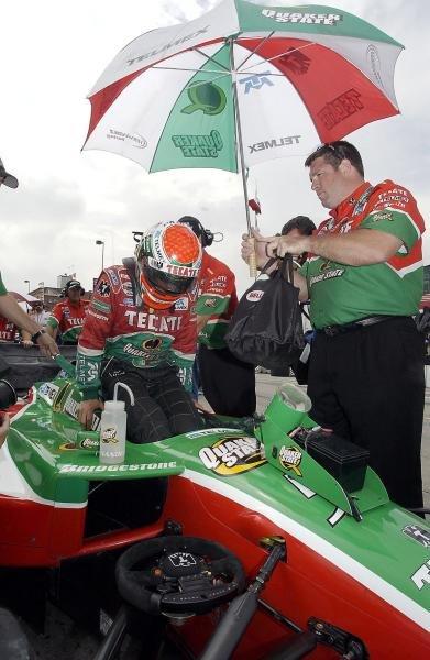 Adrian Fernandez (MEX) Fernadez Racing Lola Ford qualified in fourth position.Champ Car World Series, Rd15, Centrix Financial Grand Prix of Denver, Denver, Colarado, USA, 30 August 2003.DIGITAL IMAGE