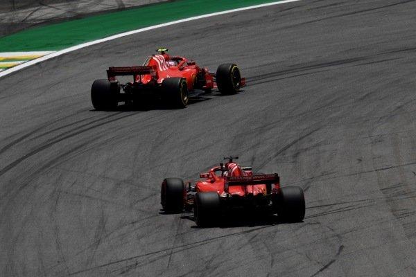Kimi Raikkonen, Ferrari SF71H a Sebastian Vettel, Ferrari SF71H