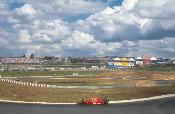 1990 Brazilian Grand Prix.Interlagos, Sao Paulo, Brazil.23-25 March 1990.Alain Prost (Ferrari 641) 1st position.Ref-90 BRA 10.World Copyright - LAT Photographic