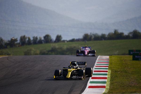 Daniel Ricciardo, Renault R.S.20, leads Lance Stroll, Racing Point RP20