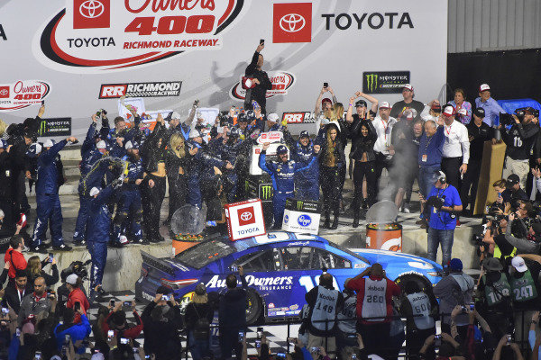 #19: Martin Truex Jr., Joe Gibbs Racing, Toyota Camry Auto Owners Insurance celebrates his win