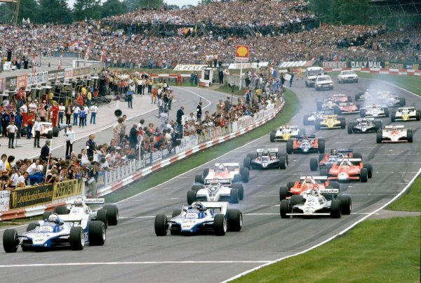 1980 British Grand Prix.Brands Hatch, England.11-13 July 1980.Didier Pironi leads team mate Jacques Lafitte (Both Ligier JS11/15 Ford's), Alan Jones, Carlos Reutemann (Both Williams FW07B's), Nelson Piquet (Brabham BT49 Ford) and Bruno Giacomelli (Alfa Romeo 179) at the start.Ref-80 GB 09.World Copyright - LAT Photographic