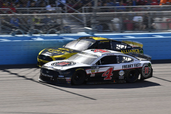 #4: Kevin Harvick, Stewart-Haas Racing, Ford Mustang Jimmy John's and #2: Brad Keselowski, Team Penske, Ford Mustang Alliance Truck Parts