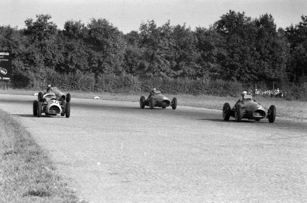 Ken Wharton, Cooper T23 Bristol, alongside Luigi Villoresi, Ferrari 500, leading team-mate Mike Hawthorn.