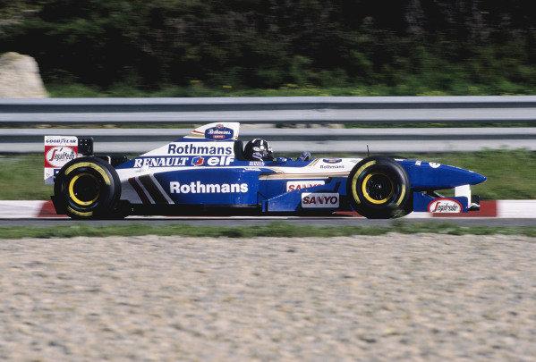 1995 Portuguese Grand Prix.Estoril, Portugal. 22-24 September 1995.Damon Hill (Williams FW17 Renault) 3rd position.Ref-95 POR 25.World Copyright - LAT Photographic