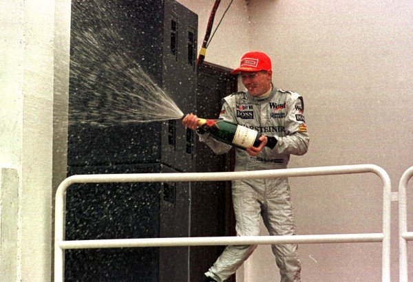 1998 Argentinian Grand Prix.Buenos Aires, Argentina.10-12 April 1998.Mika Hakkinen (McLaren MP4/13 Mercedes-Benz) 3rd position.World Copyright - LAT Photographic