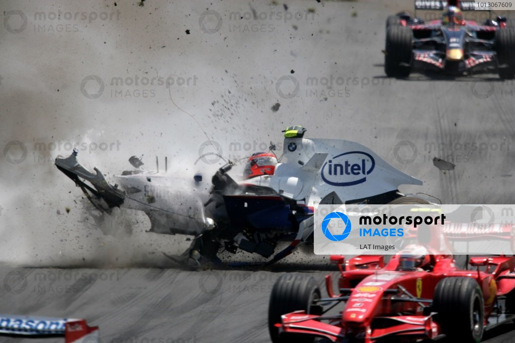 Robert Kubica, BMW Sauber F1 07, crashes heavily into a concrete wall, injuring his foot.