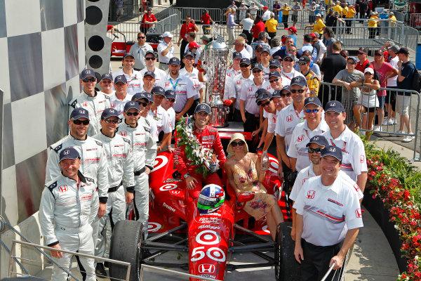 27 May, 2012, Indianapolis, Indiana, USADario Franchitti celebrates with wife Ashley Judd and Honda engineers in victory lane.(c)2012, Phillip AbbottLAT Photo USA