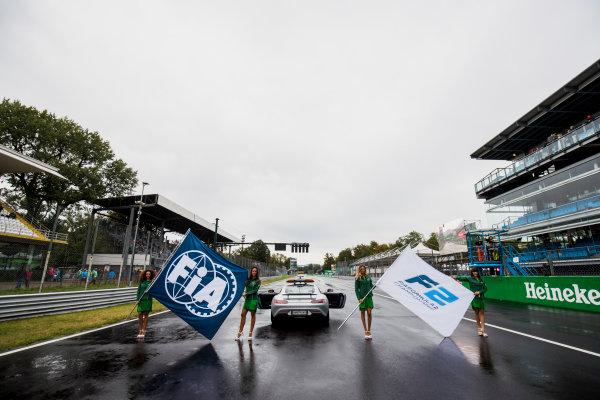2017 FIA Formula 2 Round 9. Autodromo Nazionale di Monza, Monza, Italy. Saturday 2 September 2017. Grid girls on the grid. Photo: Zak Mauger/FIA Formula 2. ref: Digital Image _T9I9783