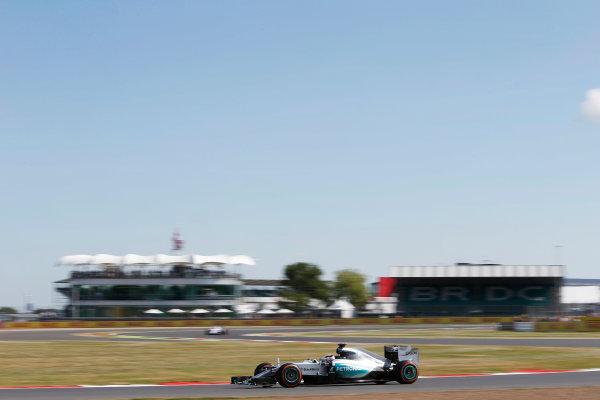Silverstone Circuit, Northamptonshire, England. Friday 3 July 2015. Lewis Hamilton, Mercedes F1 W06 Hybrid. World Copyright: Andrew Ferraro/LAT Photographic ref: Digital Image _FER0189