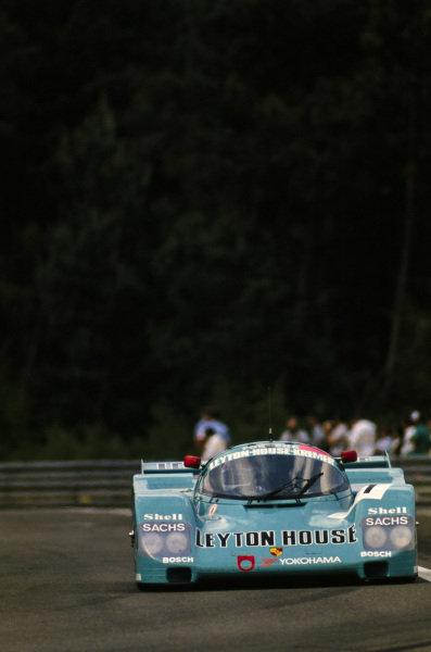 Hideki Okada / George Fouchè / Masanori Sekiya, Porsche Kremer Racing, Porsche 962 CK6.